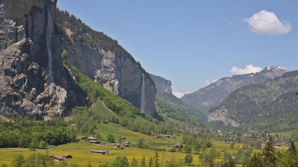 Suiza paraíso natural – Pueblos alpinos y valles de agua